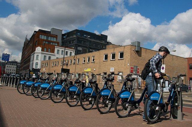 Londýnská půjčovna Barclays Bike Hire