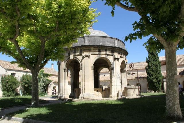 Provence na kole do as avignonsk ch pape z jezdy a dovolen v lety - Office de tourisme villeneuve les avignon ...